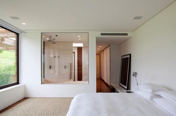 Không gian phòng ngủ có nhà vệ sinh sang trọng và được bố trí khoa học
