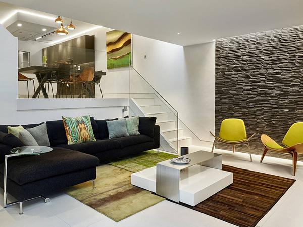 Sự sáng tạo với bậc thang dẫn lên phòng bếp là điểm nhấn vô cùng ấn tượng cho mẫu thiết kế này