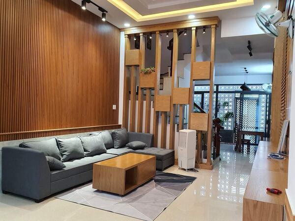 Nội thất gỗ giúp không gian thêm phần sang trọng và đẳng cấp