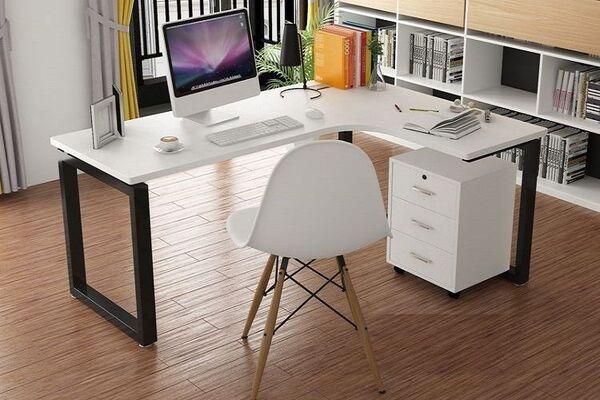 Tránh thiết kế phòng làm việc quá lớn hoặc quá nhỏ